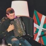 Pour la première fois, Gilles Puyfagès accompagne le troubadour